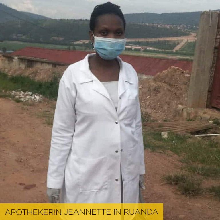 "alt=""Apothekerin Jeannette in Ruanda_Compassion_Deutschland"""