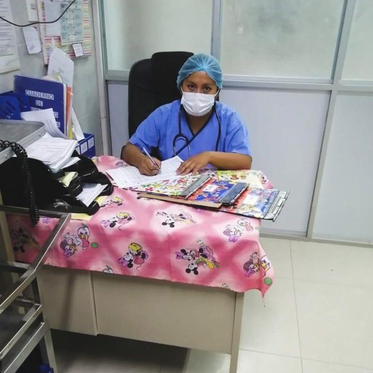 """alt=""""Stimmen der Krise: Maria Eugenia aus Bolivien Doktor Corona Virus 01_Compassion_Deutschland"""""""