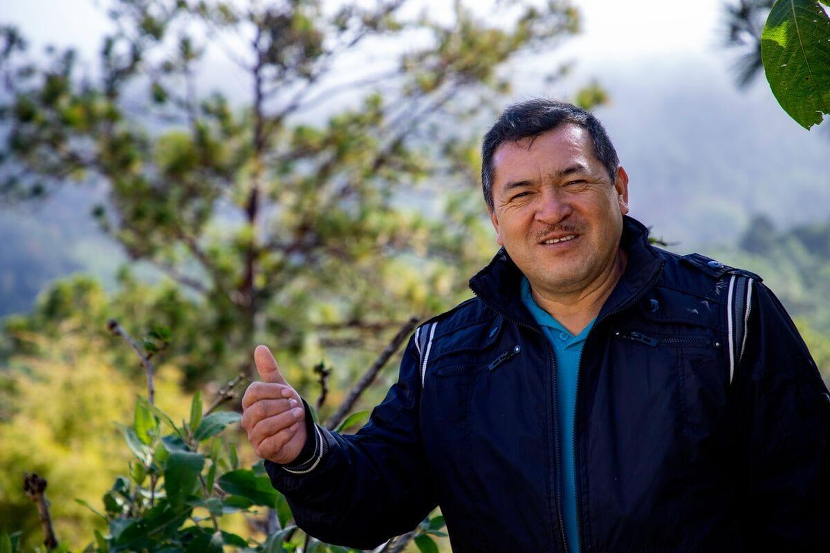 "alt=""Pastor Genaro in Honduras"""
