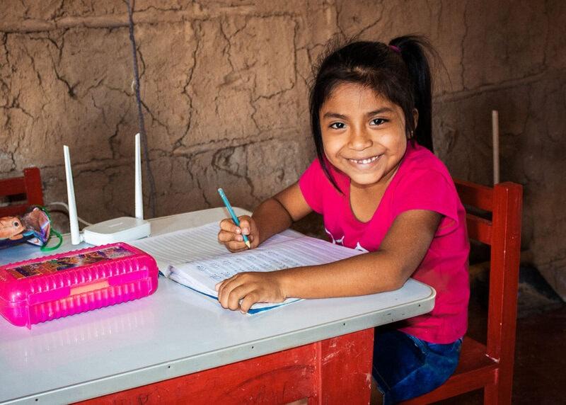 """alt=""""Bildung_in_Peru:_Internetzugang_für_ein_ganzes_Dorf_Romina"""""""